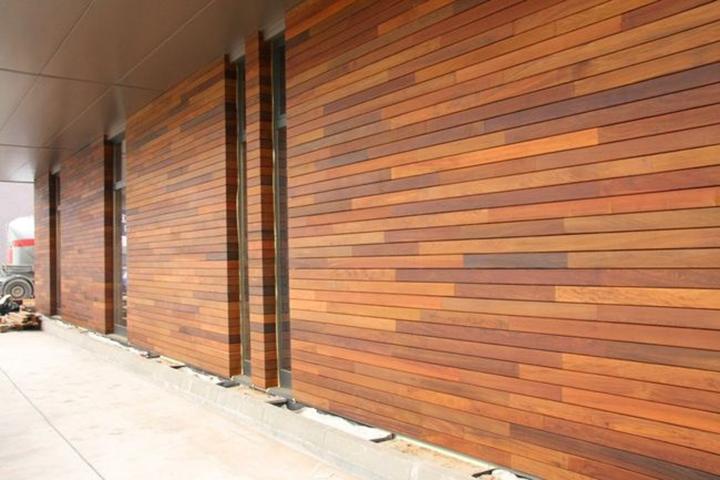 Особенностью деревянного или канадского сайдинга является его натуральность