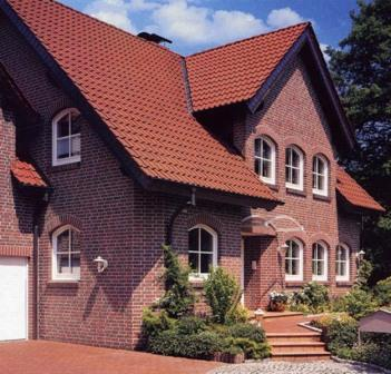 Клинкерную плитку можно назвать идеально подходящим материалом для внешней отделки зданий за счет основных ее преимуществ