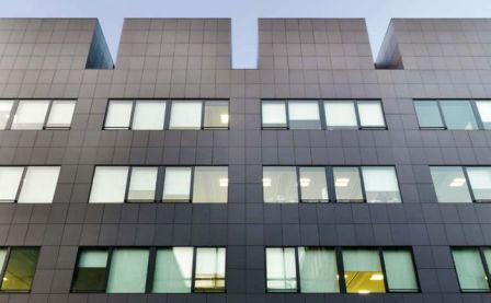 Используя навесные фасады Вы получите не только красоту фасада, но и уют внутри здания