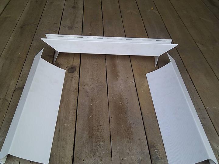 Околооконный или откосный вариант планки, как правило, устанавливается на участках, нуждающихся в перекрытии узких углублений