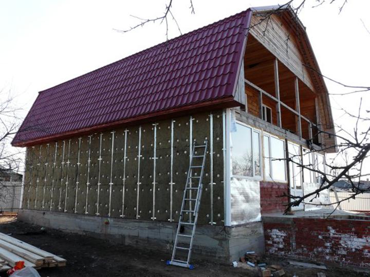 Функциональность и качество теплоизоляционного материала оказывают непосредственное влияние на теплоэффективность дома