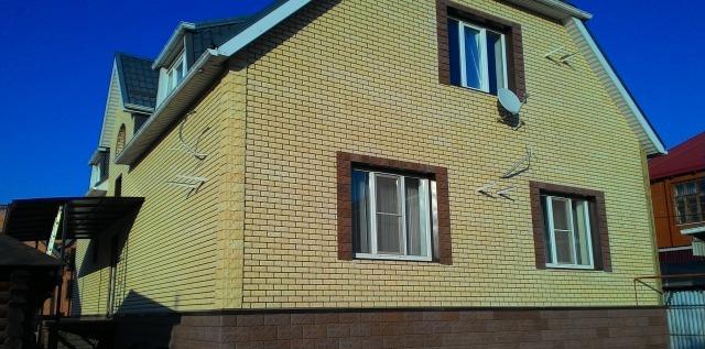 Особого внимания заслуживает облицовка фасадов плиткой «Каньон», имитирующей кирпичную кладку