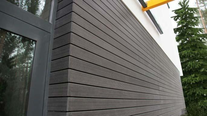 Отделочный сайдинг из ДПК обладает положительными свойствами пластмассы и древесины